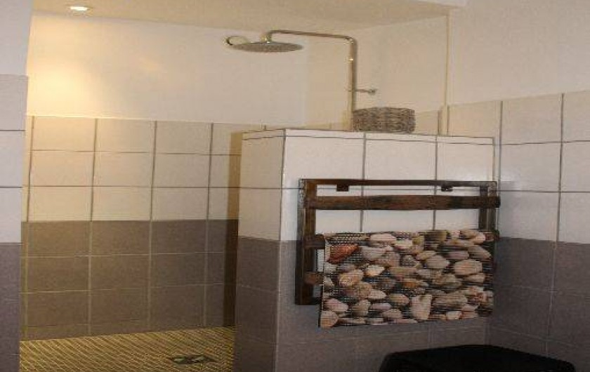 Location de vacances - Villa à Aubenas - Salle de Bain 1er étage