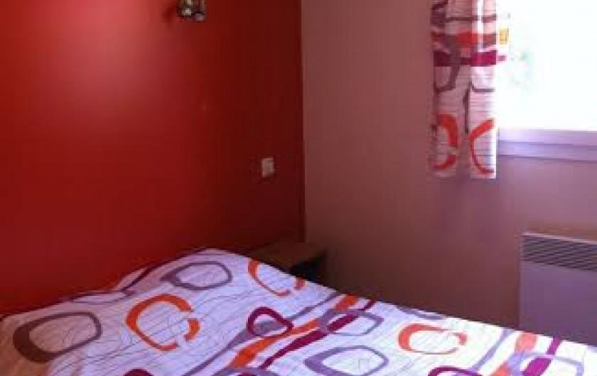 Location de vacances - Chalet à Parentis-en-Born - chambre 1