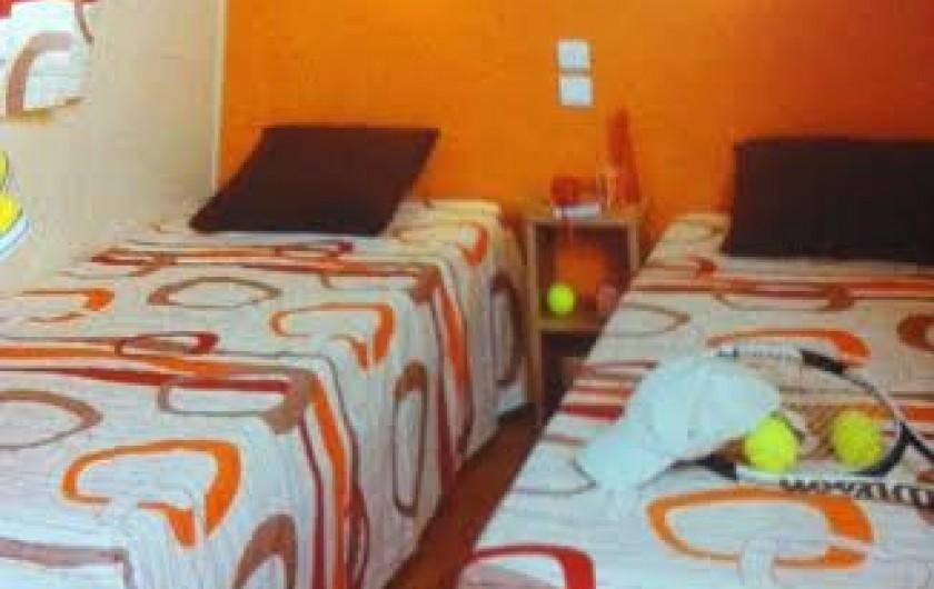 Location de vacances - Chalet à Parentis-en-Born - chambre 2