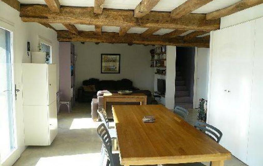 Location de vacances - Gîte à Lucq-de-Béarn - Rez de chaussée du gîte avec vue sur le salon