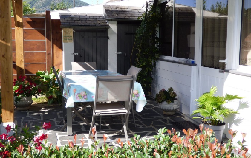 Location de vacances - Gîte à Lourdes - terrasse couverte du gite