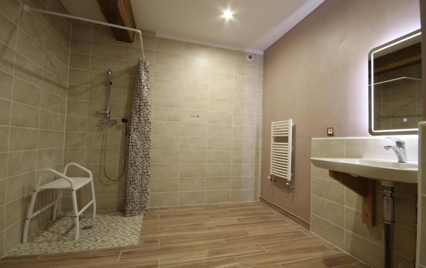 Location de vacances - Gîte à Châtillon-en-Bazois - SDB chambre 5