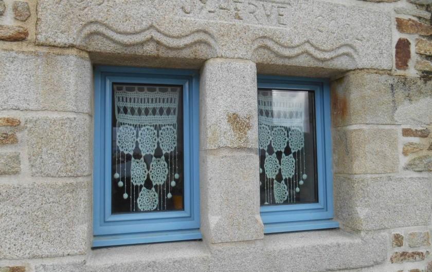 Location de vacances - Chambre d'hôtes à Quimperlé - Fenêtre des toilettes et de la douche