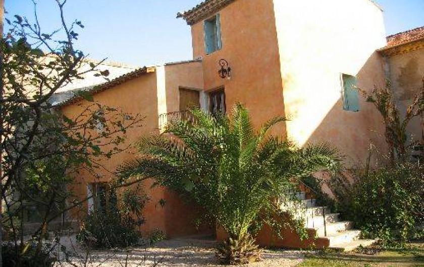 Location de vacances - Chambre d'hôtes à Fabrègues - Accès à la  chambre à Baldaquin et celle du Nom de la Rose.