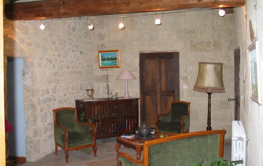 Location de vacances - Chambre d'hôtes à Fabrègues - Salon  entre les chambres du Soulier à Clous et de l'Héritage du Chat.