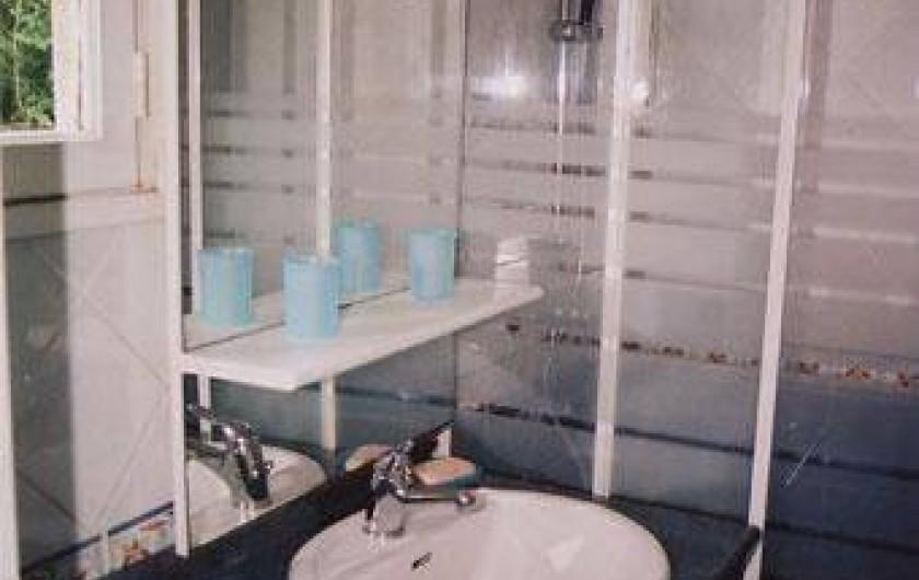 Location de vacances - Villa à Névez - Salle d'eau