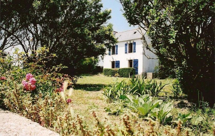 Location de vacances - Villa à Névez - Façade sud sur jardin
