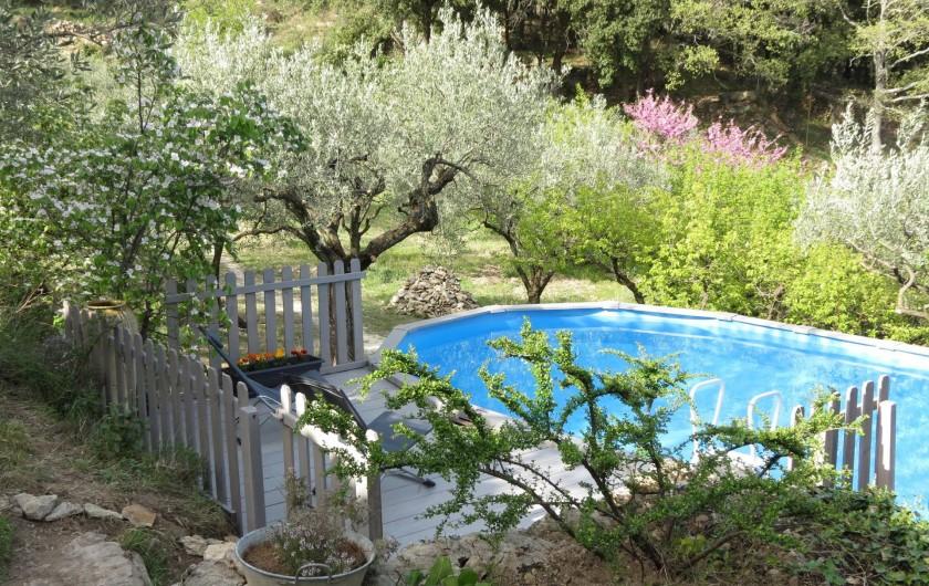 Location de vacances - Villa à Nyons - piscine  7.3x3.7m,encastrée dans un plancher bois, et au niveau d'une restanque