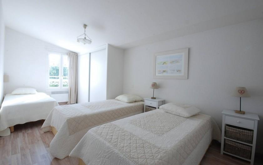 Location de vacances - Maison - Villa à Saint-Martin-de-Ré - La chambre avec 3 lits simples