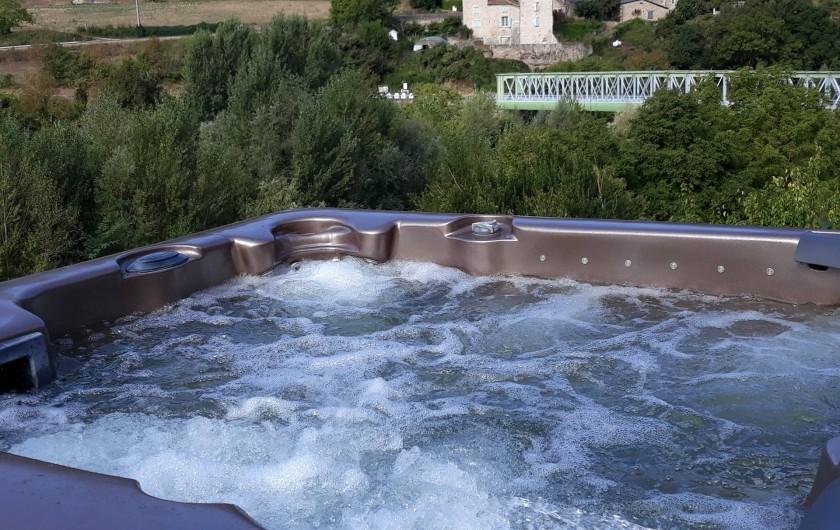 Location de vacances - Gîte à La Cresse - Le jaccuzzi