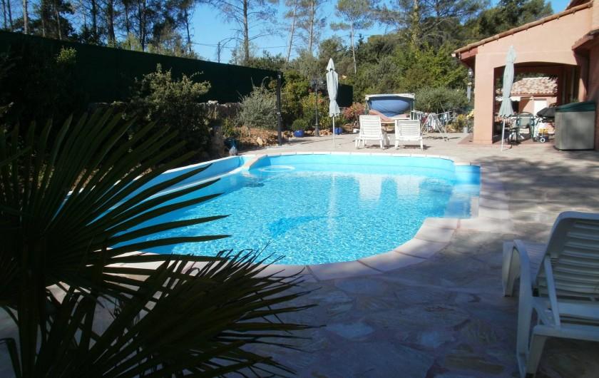 Location de vacances - Chambre d'hôtes à Carcès - Vue de la piscine