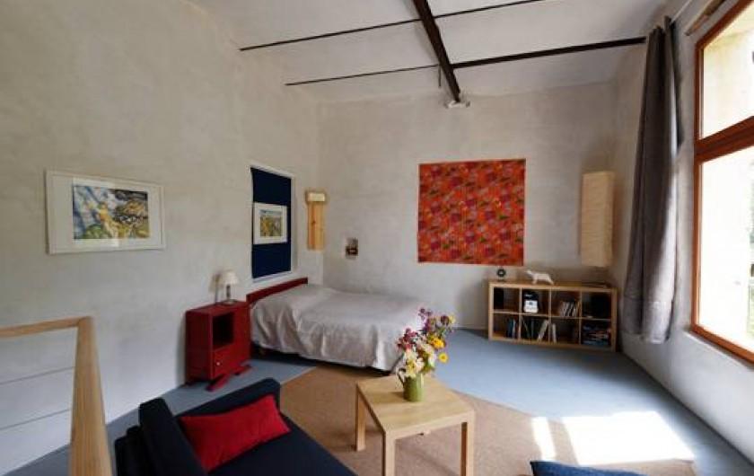 Location de vacances - Gîte à Mollans-sur-Ouvèze - La Chambre -salon à l'étage