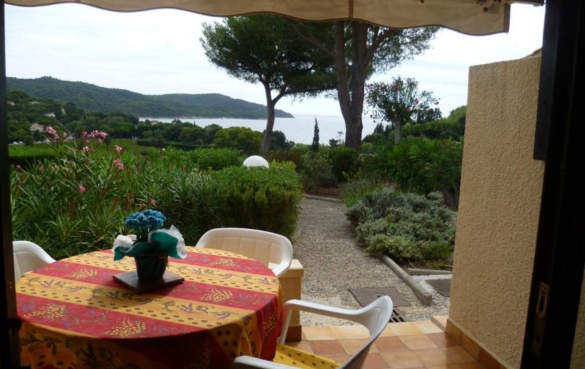 Location de vacances - Appartement à La Croix-Valmer - Vue de la terrasse