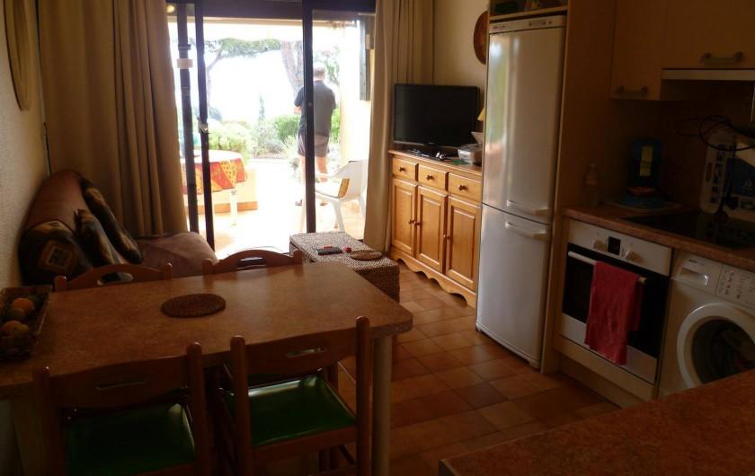 Location de vacances - Appartement à La Croix-Valmer - Vue générale salon