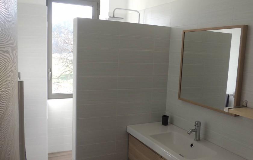 Location de vacances - Mas à Barbentane - 2 salles d'eau indépendantes
