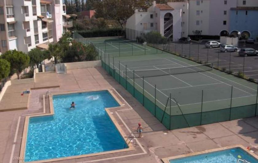 Location de vacances - Appartement à Le Cap d'Agde - piscine et tennis de la résidence