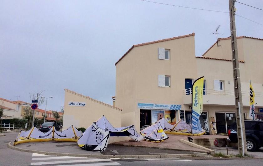 Location de vacances - Villa à Frontignan - Location de kite surf pour les amateurs de sensation sur l'étang à 500 m
