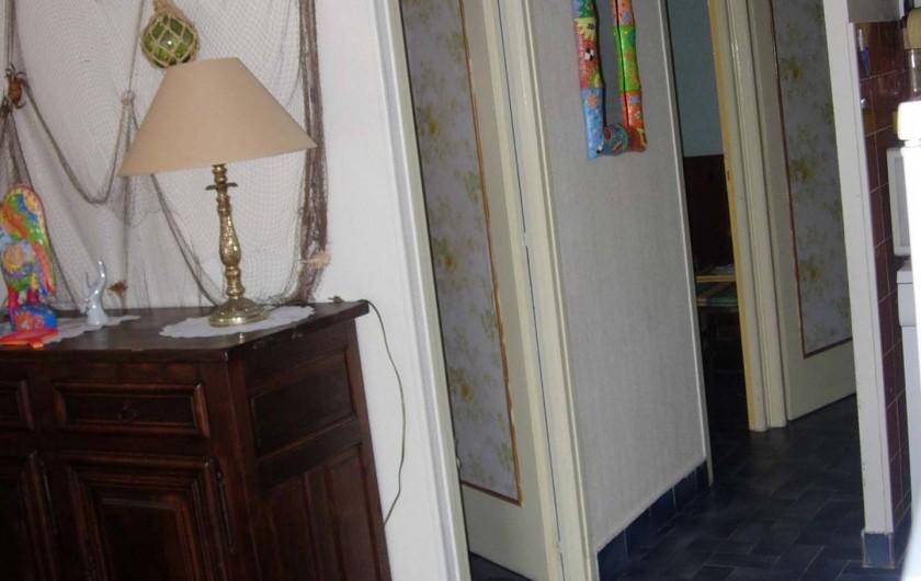 Location de vacances - Appartement à Le Cap d'Agde - Dégagement accès chambres et salle de bain / WC