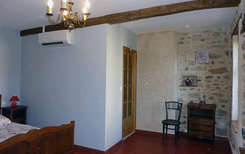 Location de vacances - Appartement à Fontès - Chambre 1 coté salle de bain