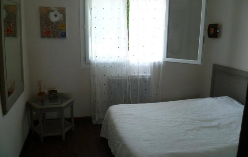 Location de vacances - Appartement à Cavalaire-sur-Mer - Autre vue de la chambre
