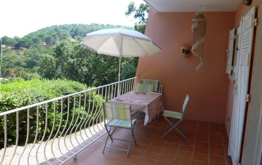 Location de vacances - Appartement à Cavalaire-sur-Mer - Terrasse