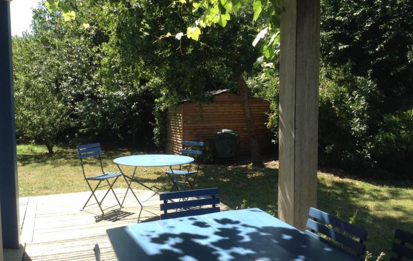 Location de vacances - Villa à Arzon - Coin repas en terrasse