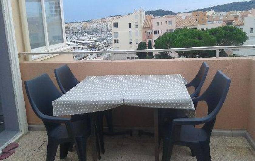 Location de vacances - Appartement à Agde - terrasse vue port