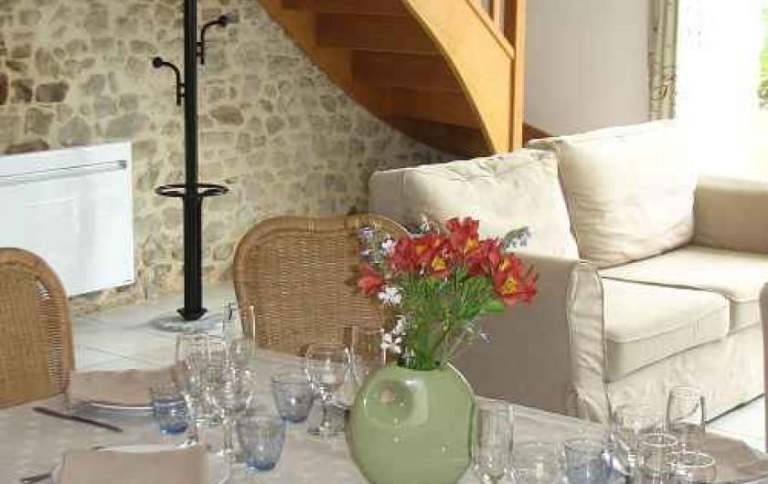 Location de vacances - Gîte à Les Clouzeaux - Salle à manger et salon