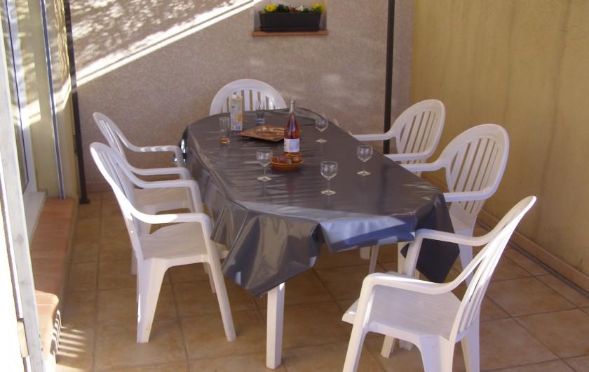 Location de vacances - Villa à Argilliers - terrasse