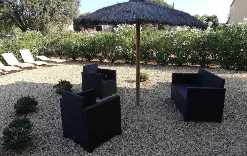 Location de vacances - Villa à Argilliers - jardin