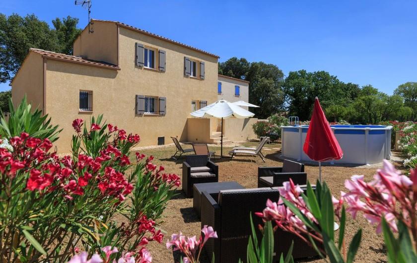 Location de vacances - Villa à Argilliers - arrière de la maison
