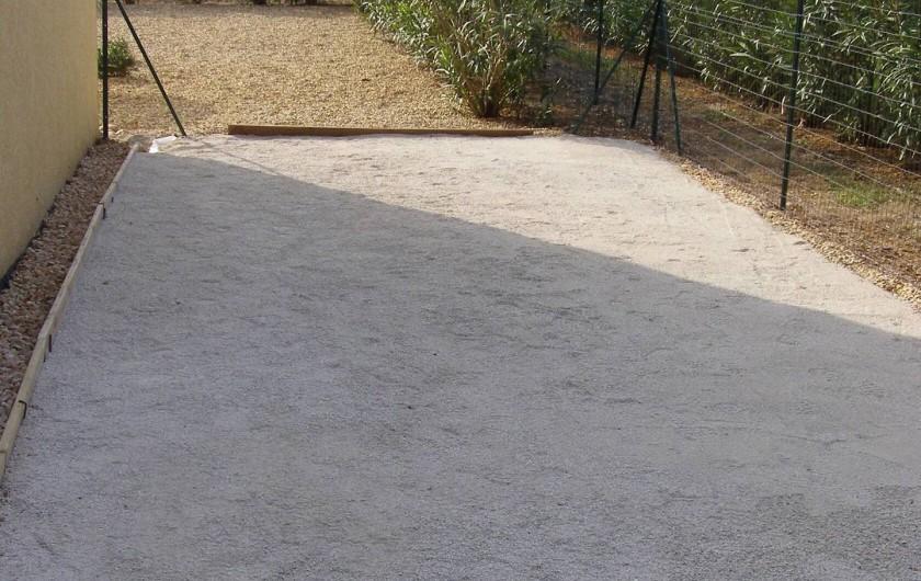 Location de vacances - Villa à Argilliers - terrain de boules