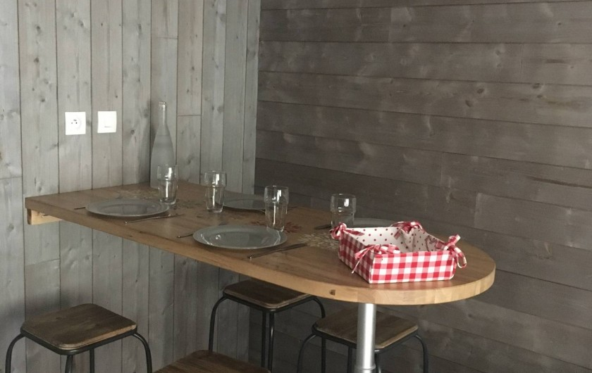Location de vacances - Studio à Les Carroz d'Arâches - Coin repas