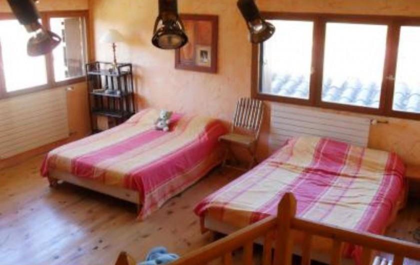Location de vacances - Villa à Malves-en-Minervois - La grande chambre de la Tour ( 28 m2 )
