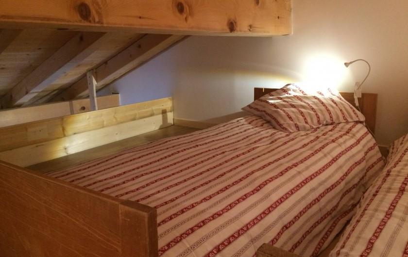 Location de vacances - Chambre d'hôtes à La Féclaz - Lits sur mezzanine