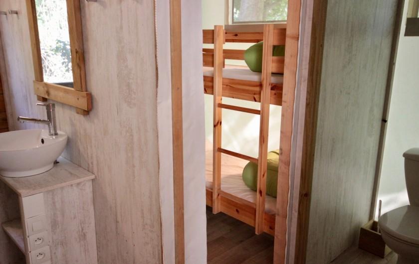 Location de vacances - Bungalow - Mobilhome à La Garette - Chalet toilé 60m2 6/8 personnes (chambre 3 lit superposé)