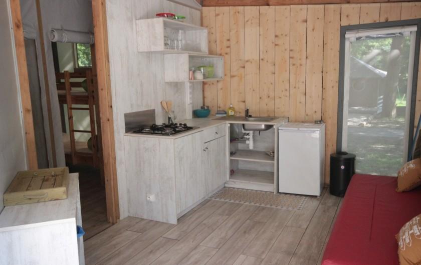 Location de vacances - Bungalow - Mobilhome à La Garette - Chalet toilé 60m2 6/8 personnes (cuisine)