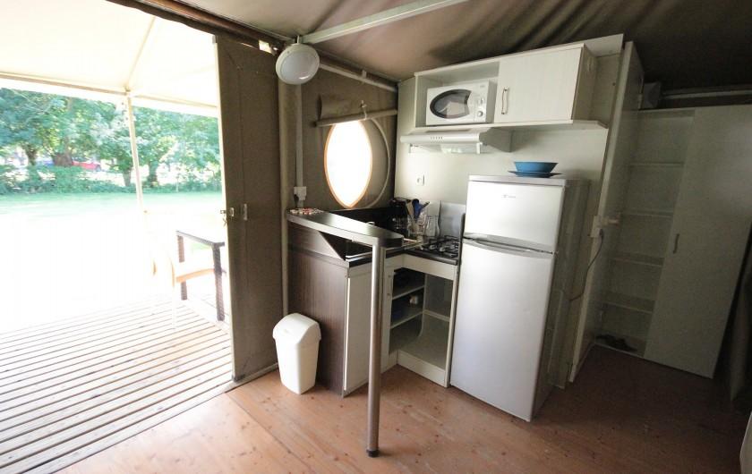 Location de vacances - Bungalow - Mobilhome à La Garette - Bungalow toilé 40m2 4 personnes  (cuisine)