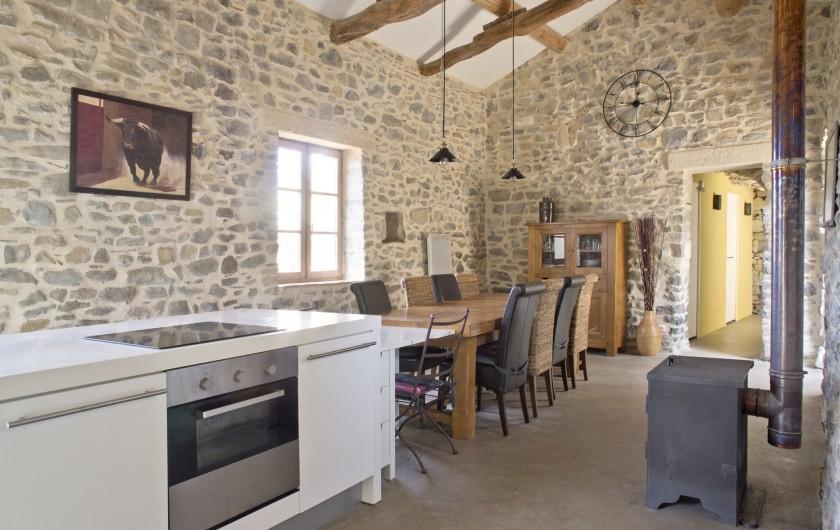 Location de vacances - Mas à Bouquet - La cuisine / salle à manger