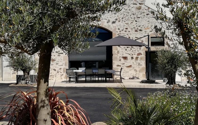 Location de vacances - Chambre d'hôtes à Saint-André-de-la-Marche - Vue de la Grange