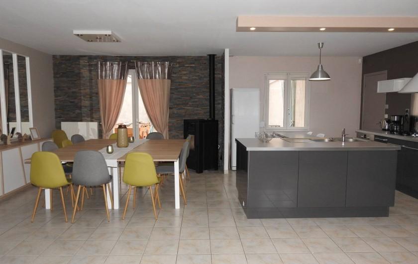 Location de vacances - Maison - Villa à Tour-en-Sologne - Espace salle à manger et cuisine