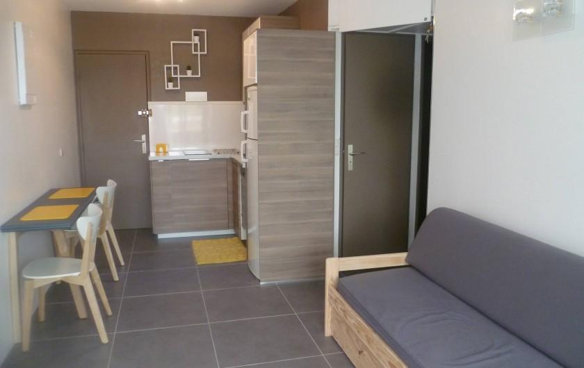 Location de vacances - Appartement à Le Grau-du-Roi - pièce a vivre