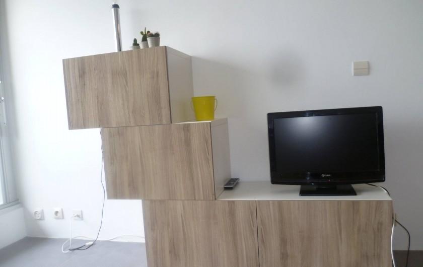 Location de vacances - Appartement à Le Grau-du-Roi - meuble télévision