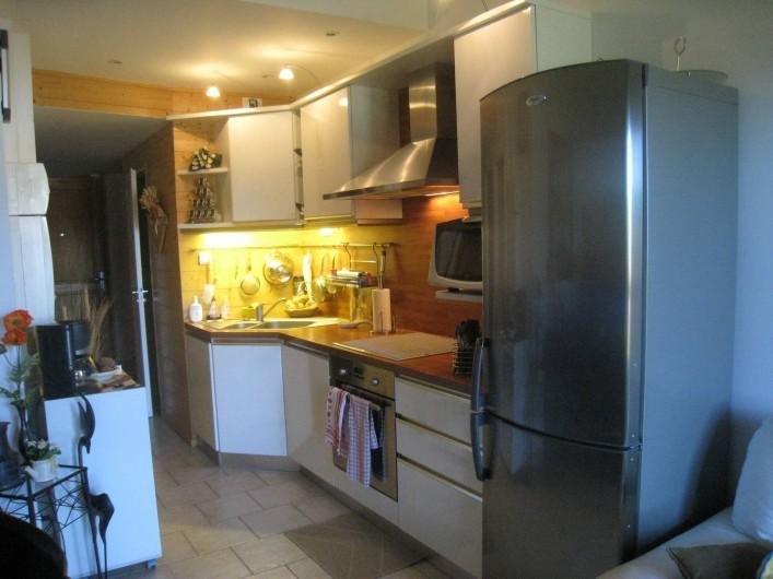 Location de vacances - Appartement à Gérardmer - cuisine tout equipee