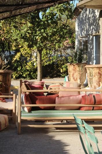 Location de vacances - Mas à Potelières - Salon et salle a manger sous la treille