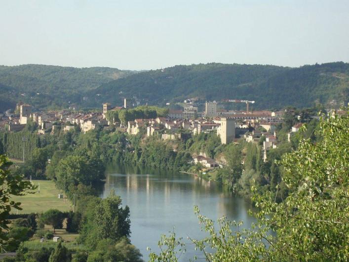Location de vacances - Maison - Villa à Cahors - Vue de Cahors sur les bords du Lot