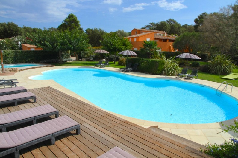 Location de vacances - Appartement à Sainte-Lucie de Porto-Vecchio - PISCINE