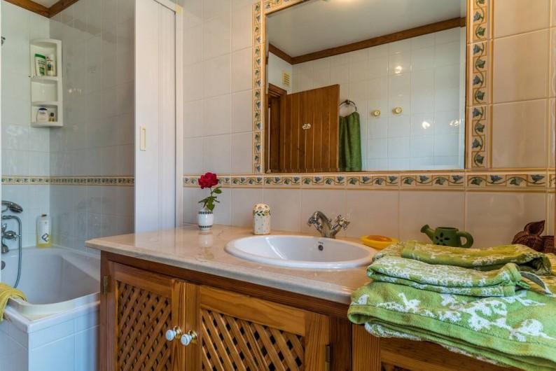 Location de vacances - Chambre d'hôtes à Alcobaça - salle de bains privée du chambre vert