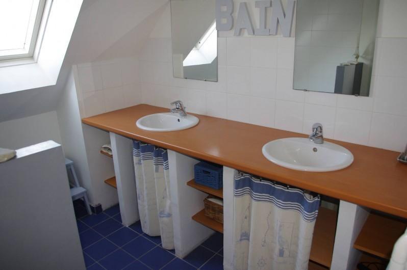 Location de vacances - Villa à Saint-Cast-le-Guildo - Salle de bains 1er étage