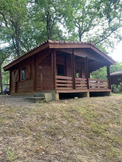 Location de vacances - Chalet à Bretagne-d'Armagnac - CHALET GUZET Vue sur le Lac
